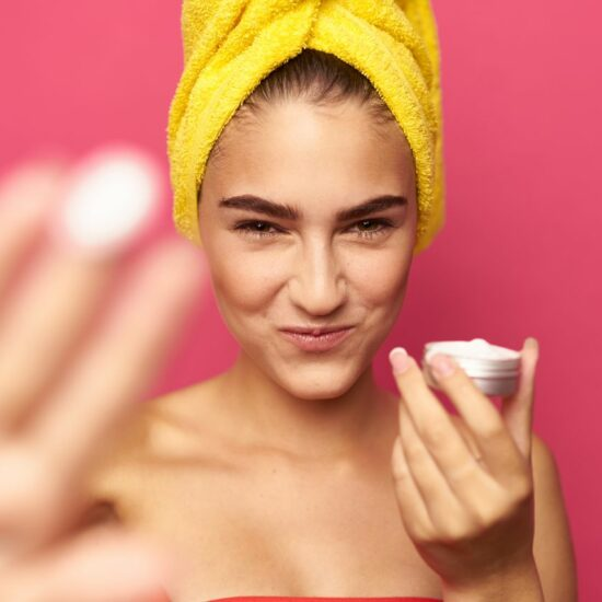 How do moisturizing products effect skin barrier repair?